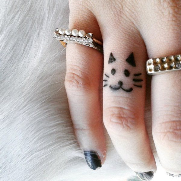 32 Lovely Tiny Finger Tattoos Anyone Would Love