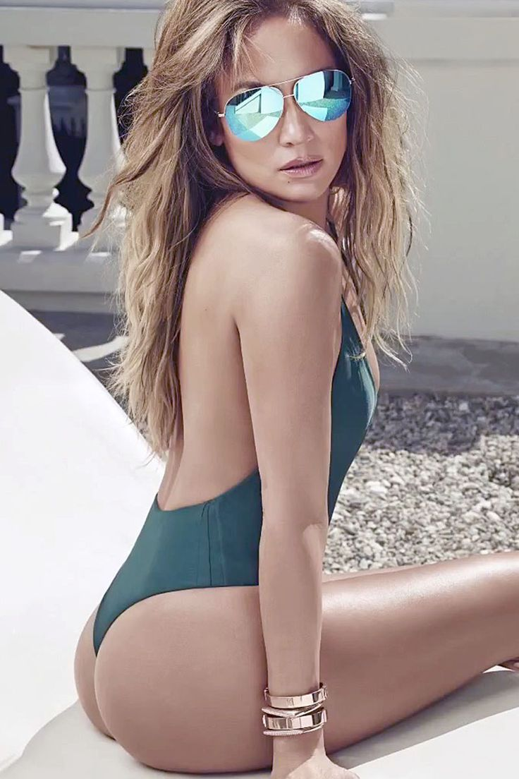 15 Sexy Female Celebrities That Have All The Right Curves