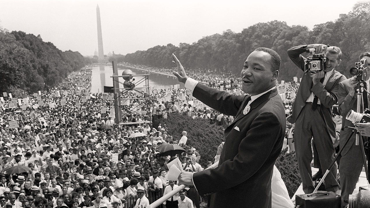 65 Powerful Moments That Shaped USA Into What It Is Today