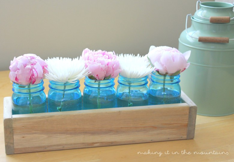 35 Thrifty Mason Jar Centerpieces That Look Simply Amazing