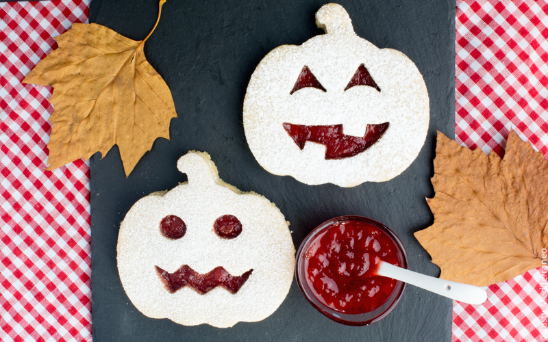 20 Halloween Treats As Fun And Scary As They Are Healthy