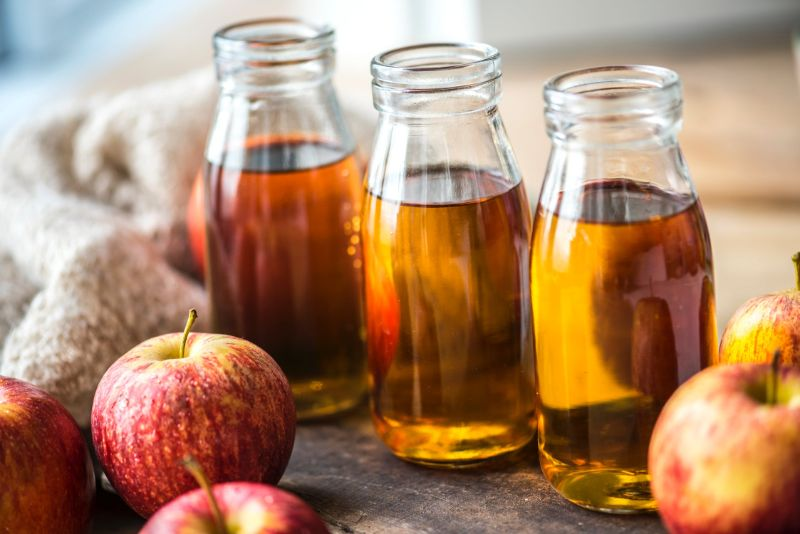 Get Glowing Skin and Fabulous Hair with Apple Cider Vinegar