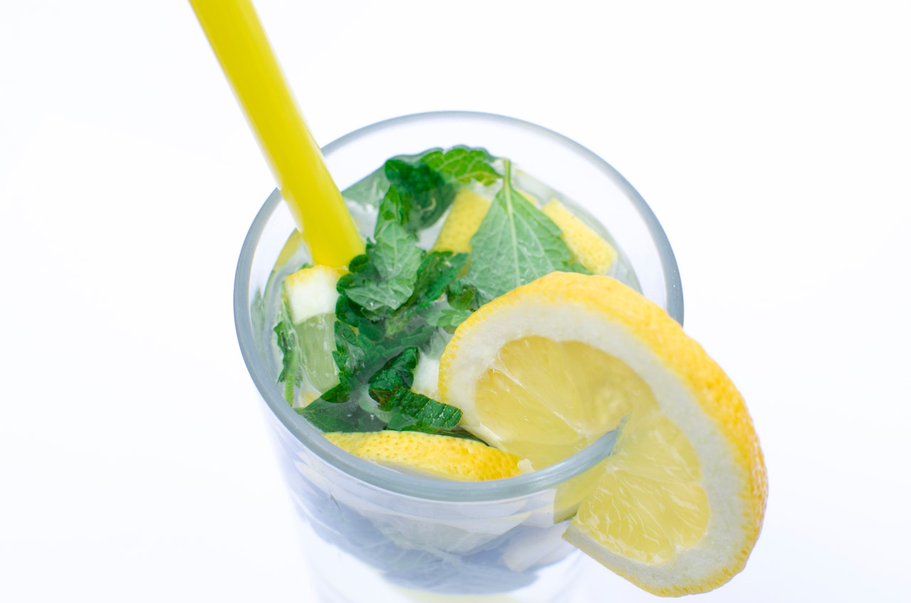 Lemon Water Benefits: A Glass in the Morning Can Save Your Life