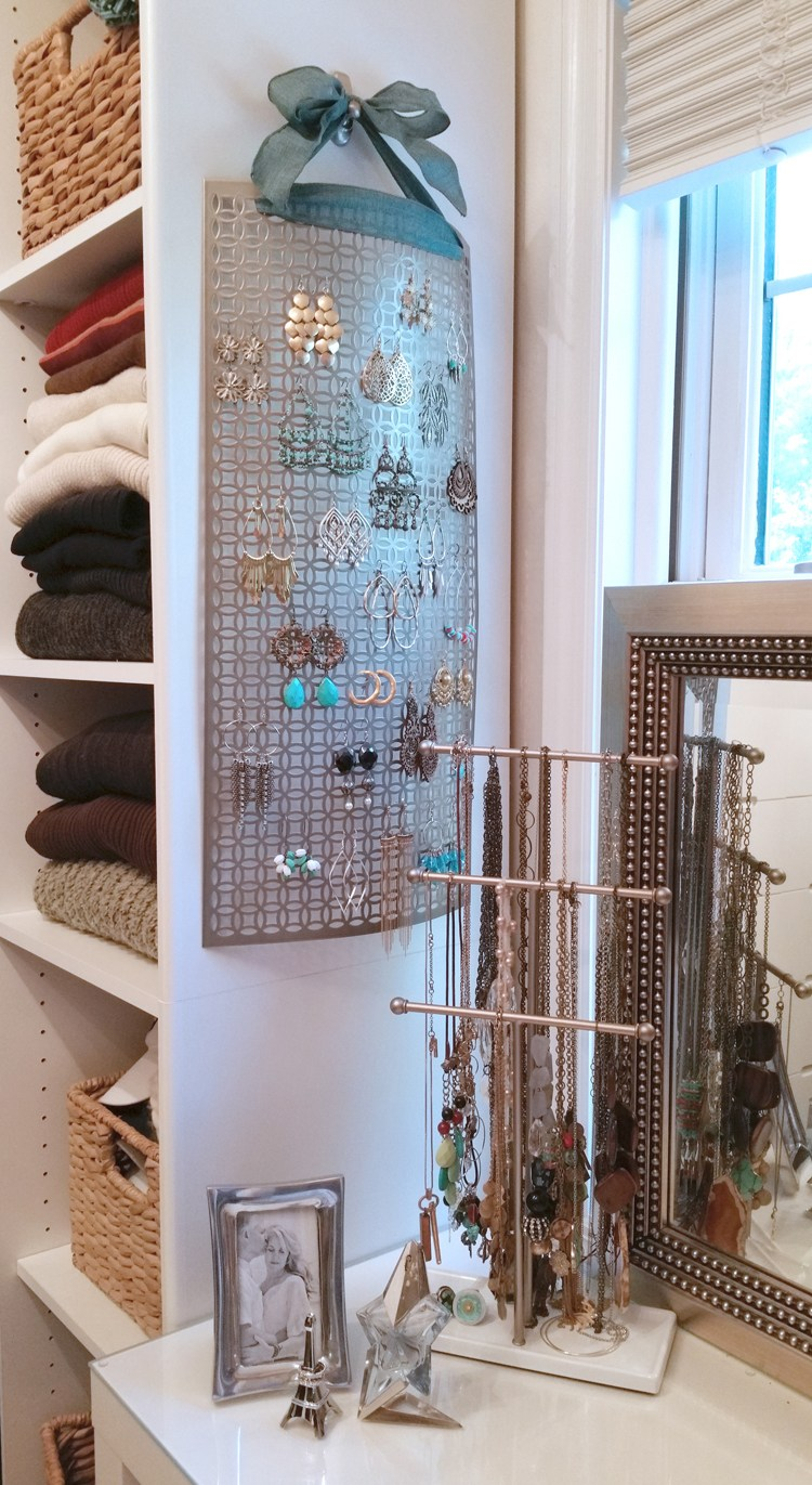 Organize Your Jewelry with These 23 DIYs