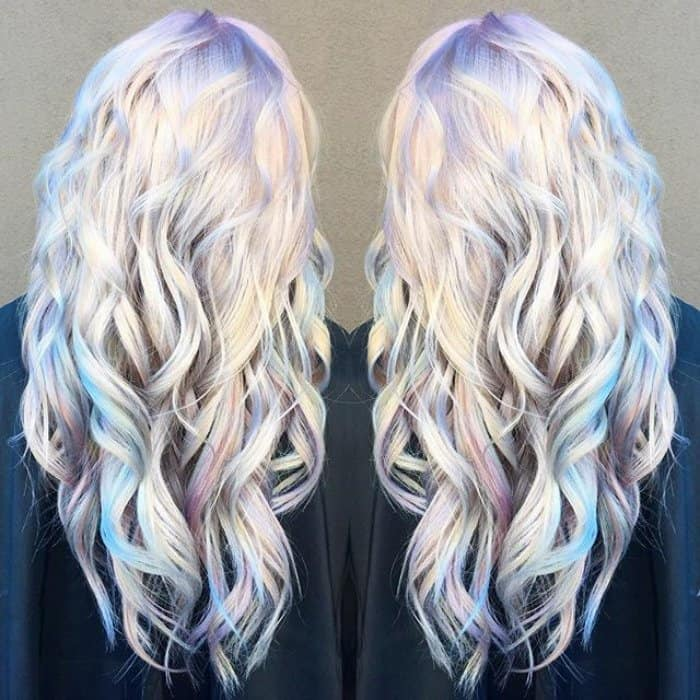 24 Mesmerizing Examples of Holographic Hair