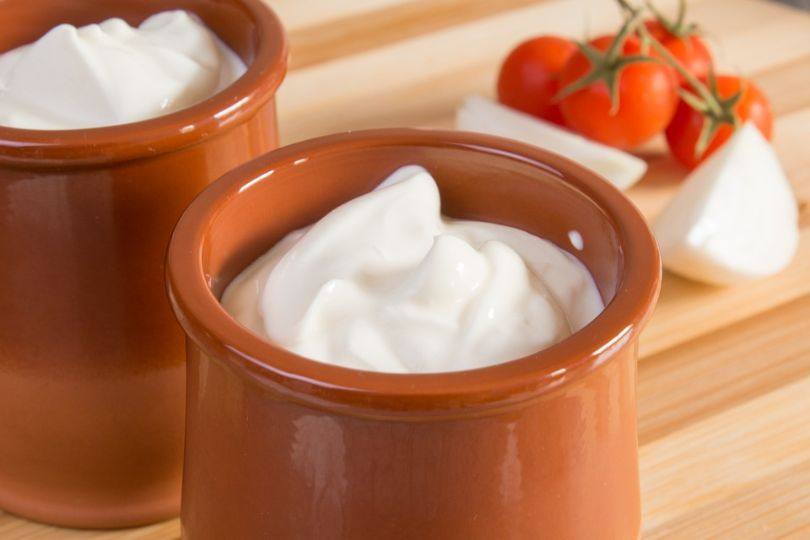Sour Cream Substitutes: Dairy and Non-Dairy Alternatives