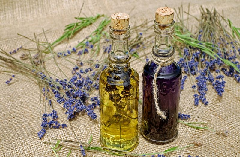 Essential Oils for Wrinkles: How to Slow the Aging Process
