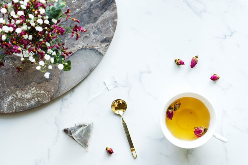 Benefits of Rose Tea: 10 Reasons to Drink Roses