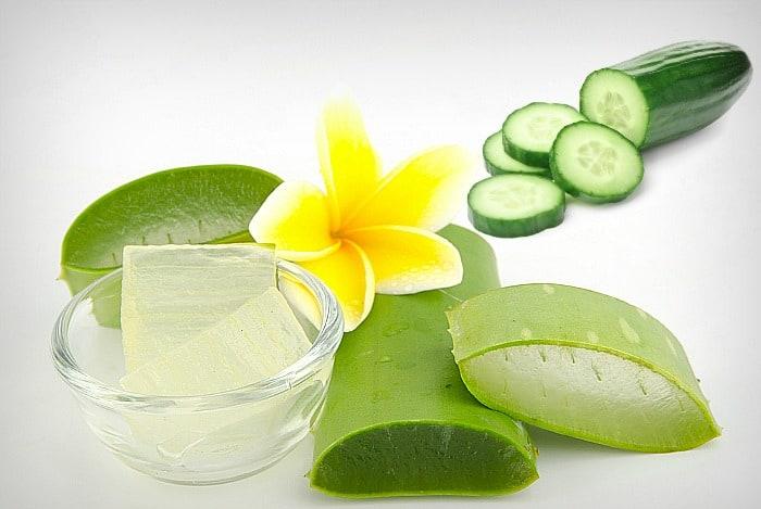 Aloe gel and cucumber