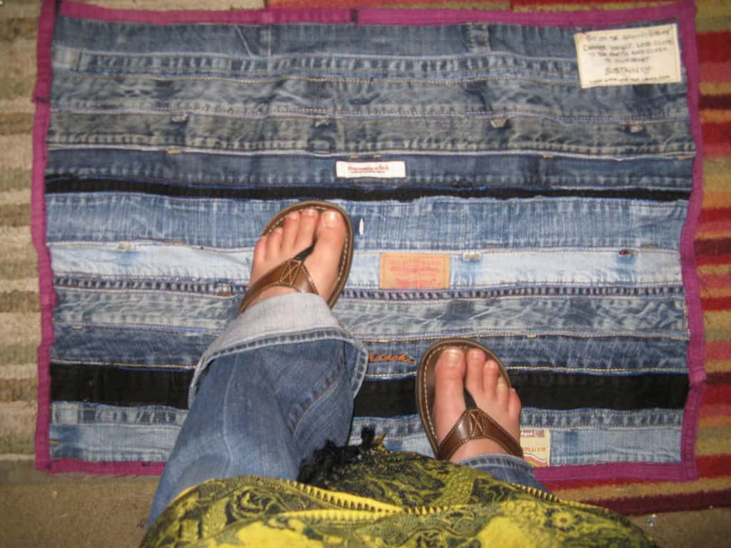 20 Cool DIY's For Giving New Life To Old Jeans