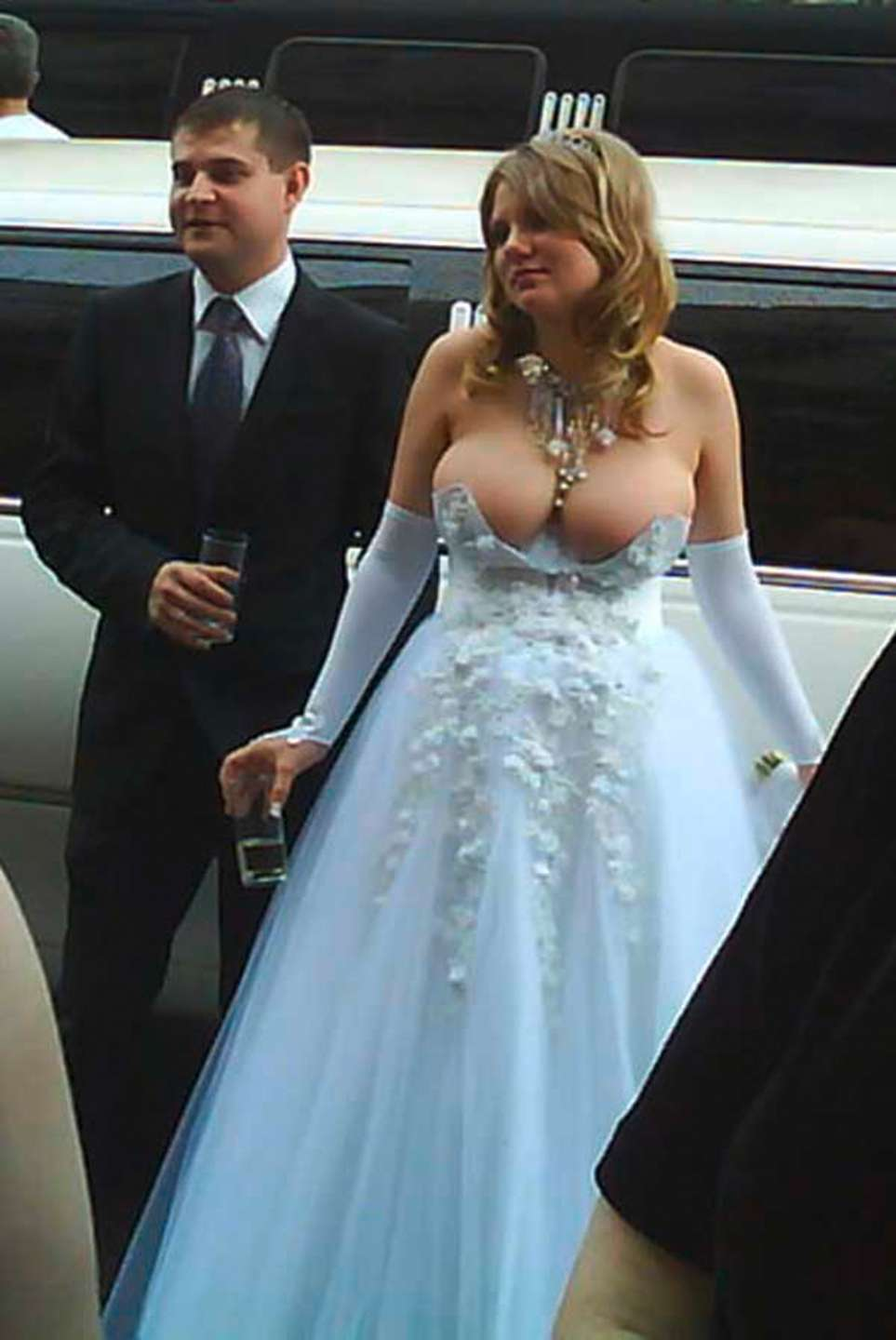 These 30 Wedding Dress Fails are the Word\'s Worst!