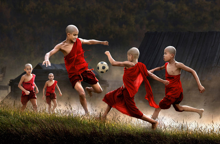 Wonders of Childhood: 30 Majestic Images of Children Playing in Countries Around the World