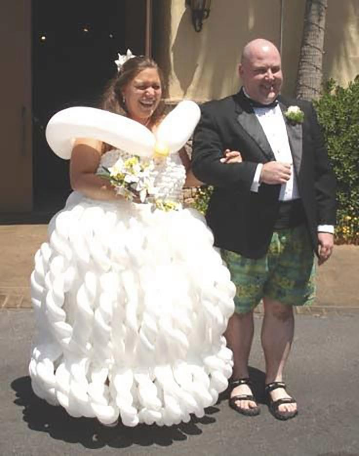 Brides Get Noticed For The Wrong Reason 30 Worst Wedding Dress Fails