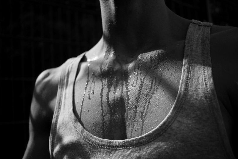 How to Get Smell out of Workout Clothes – Tips for Odor-Free Gym Clothes