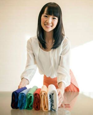 How to Organize Clothes Konmari Way – Clean up Once and Never Do It Again