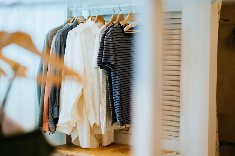 What Is the Best Way to Organize Clothes in Your Closet?