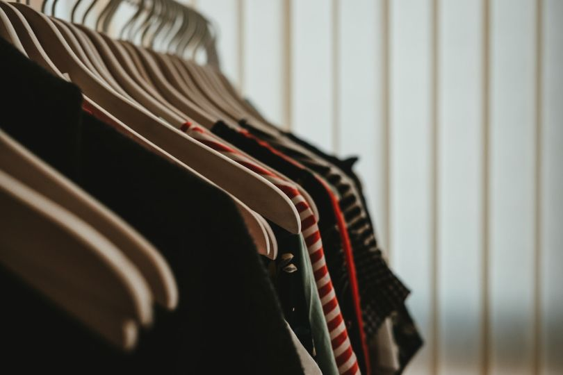 Best Way to Organize a Woman's Closet – Step by Step Guide to Clutter-Free Closet